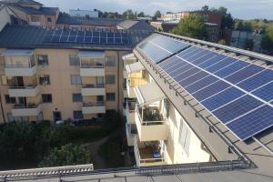 Solceller på taket på Brf Snickaren 317
